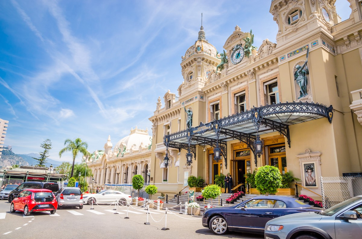 全部で4つあるカジノのなかでも最も有名なのは1863年にオープンしたグランカジノ